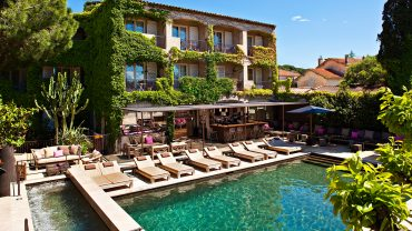 """<span class=""""entry-title-primary"""">Hôtel des Lices</span> <span class=""""entry-subtitle"""">Saint-Tropez, France</span>"""